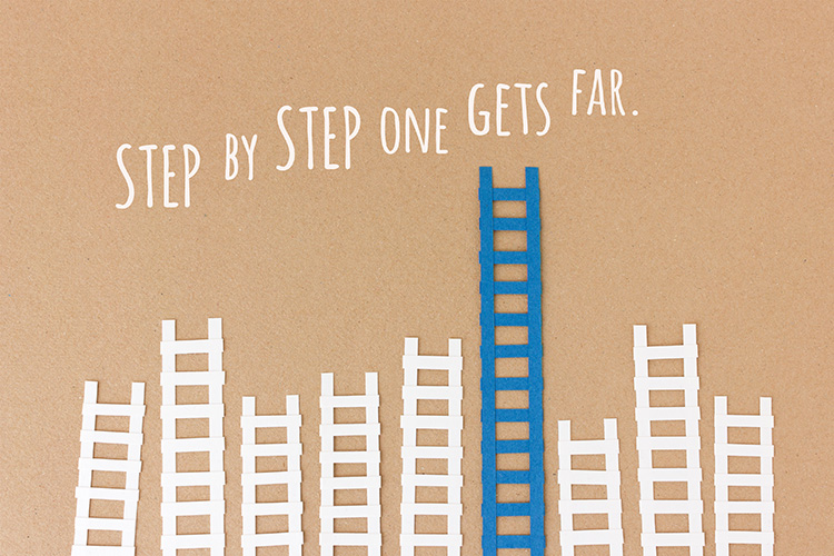 Step by step one gets far - paper-cut illustration by Marie Maerz